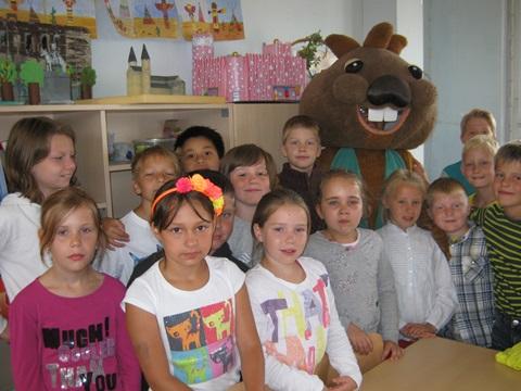 Biberin Betti und die Kinder der Klasse 3a