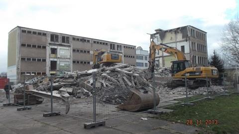 Abriss-Wilhelm-Busch-Sekundarschule-1