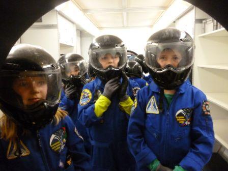 Einkleiden der Marsonauten (2)