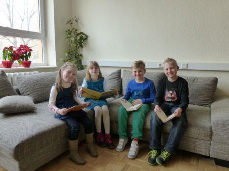Unsere glücklichen Klassenstufensieger v.l.: Victoria Smorodina (Klasse 1b), Clara Emmi Hahn (Klasse 2a), Robin Patzig (Klasse 3a) und Sebastian Heinrichs (Klasse 4c)