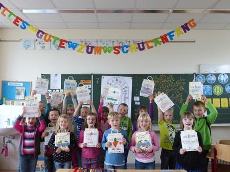 Große Freude in der Klasse 1c über die tollen Lesetüten