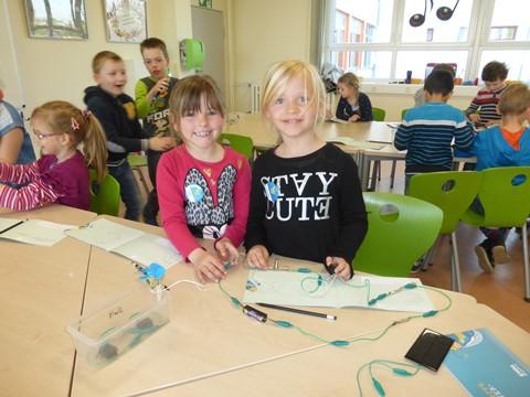 Die Mädchen und Jungen der Klasse 1b entdecken tolle Möglichkeiten der Nutzung von Solarenergie! (2)