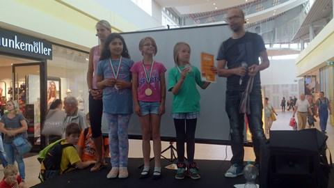 Herzlichen Glückwunsch unserer Mädchen-Mannschaft für Platz 1 bei den Stadtjugendspielen im Schach!